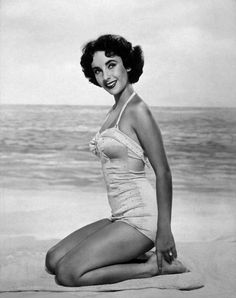 Elizabeth Taylor ~ Pinup Beach Beauty
