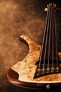 Diva Bass Guitar | Marleaux BassGuitars