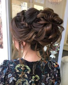 Beautiful crown braided with messy updo bridal hairstyle inspiration Crown braided updo bridal hairs Quince Hairstyles, Best Wedding Hairstyles, Up Hairstyles, Braided Hairstyles, Braided Updo, Messy Updo, Hairstyle Ideas, Romantic Hairstyles, Bridal Hair