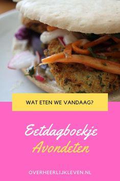 Maak je ook altijd weekmenu's? Ik vind het altijd leuk om bij anderen te spieken.  Dit at ik van de week: - Maandag: witte kool met rijst - Dinsdag: chili sin carne - Woensdag: broodjes falafel - Donderdag: wraps met gerookte zalm - Vrijdag: Mediterraanse paste - Zaterdag: Pizza Calzone - Zondag: couscous   #eetdagboekje #watetenwevandaag? #avondeten #weekmenu Beef, Food, Meat, Essen, Meals, Yemek, Eten, Steak