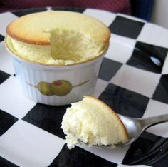 GREEK YOGURT CHEESECAKE SOUFFLE - 80 calories and would be great for an impressive brunch