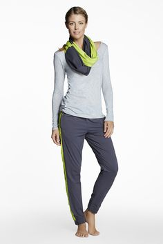 Yep, fashion is a fitness tool. Just ordered this from Fabletics and I'll wear the scarf to feel dressed up for work. Modest Outfits, New Outfits, Sport Outfits, Workout Attire, Workout Wear, Workout Outfits, Modest Workout Clothes, Workout Clothing, Love Fitness
