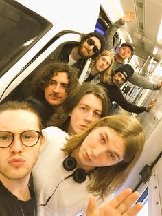 Blossoms Band, El Rock And Roll, Music X, Band Photography, European Tour, David Bowie, Musicians, Indie, Toms
