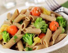 Originária da culinária de países banhados pelo mar mediterrâneo, a dieta do mediterrâneo é rica em pães, massas, verduras, saladas, legumes, frutas,