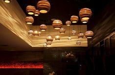 grayPants_MoonRestaurant