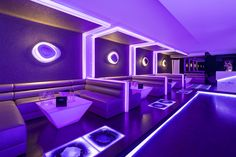 Diseño by U Design en Discoteca MASK, KRION® translucido