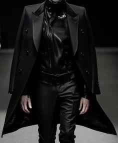 """darkclothes: """" black clothes """""""