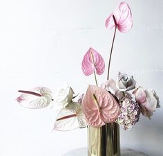 Dining table centrepiece size