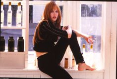 A gallery of Practical Magic publicity stills and other photos. Featuring Nicole Kidman, Sandra Bullock, Aidan Quinn, Goran Visnjic and others. Nicole Kidman, Sandra Bullock, Sandro, Practical Magic Movie, Pretty People, Beautiful People, Cult, Witch Aesthetic, Celebrity Feet