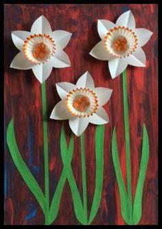 Spring Flowers Craft / Narcisky z košíčků na cukroví Owl Crafts, Flower Crafts, Flower Art, Spring Crafts For Kids, Summer Crafts, Art Floral, Daffodil Craft, Spring Activities, Easter Activities
