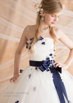 信じられない!高品質で可愛すぎるドレスが8万円台から購入できる神ショップを見逃さないで*にて紹介している画像 15 Dresses, Bridal Dresses, Nice Dresses, Evening Dresses, Fashion Dresses, Colored Wedding Dresses, Wedding Dress Styles, Dream Wedding Dresses, Traditional Wedding Dresses