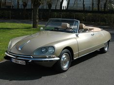 French-Cars-since-1946 — 1970 Citroen DS Convertible - a beauty on wheels...