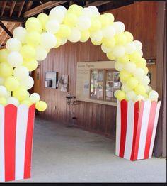 popcorn balloon arch decor for circus theme