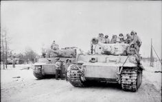 Tigers with panzergrenadiers