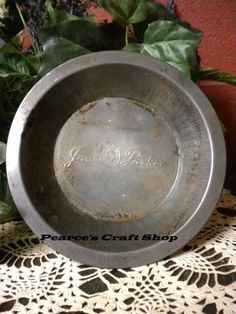 Vintage Jane Parker Pie Pan 8 Inch size by PearcesCraftShop $8.95 & Vintage-8-Jane-Parker-Tin-Pie-Pan | vintage tin pie plates ...