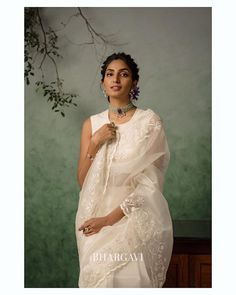 Check out these stunning floral summer sarees 2020 by the brand Bhargavi Kunam. Chiffon Saree, Organza Saree, Christian Wedding Dress, Christian Bridal Saree, Half Saree Designs, Saree Blouse Neck Designs, White Saree Wedding, Saree Draping Styles, Stylish Sarees