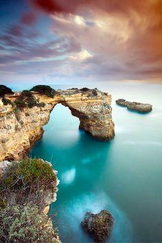 Terwijl je vrienden thuis de koude wintermaanden trotseren, kun jij de zon opzoeken aan de Algarve! ☀ Pak je koffers en ontdek wat Portugal allemaal voor moois te bieden heeft >>> https://ticketspy.nl/deals/genieten-aan-de-algarve-11-dagen-3-va-e111/