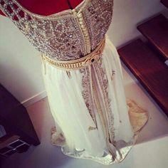 Image about fashion in Kaftan,Caftan💟🌸 by Deb Dresses, Modest Wedding Dresses, Lovely Dresses, Plus Size Dresses, Formal Dresses, Arabic Dress, Arab Fashion, High Fashion, Moroccan Caftan