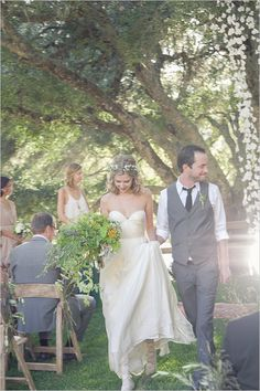 Love what the groom is wearing; simple yet dressy ;)