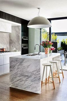 Modern Kitchen Decor : Modern marble kitchen dark feature cabinets but there is a lot of natural light Modern Kitchen Design, Interior Design Kitchen, Kitchen Designs, Modern Interior, Modern Decor, Bar Interior, Bar Designs, Modern Design, Modern Condo