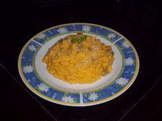 500 g de arroz  - 500 g de abóbora  - 250 g de carne-seca  - ½ cebola  - 1 colher (sopa) de manteiga  - 1 colher (sopa) de Catupiry  - 1 copo de caldo carne  - 2 colheres de (sopa) de creme de leite  - 2 colheres (sopa) de parmesão ralado  -