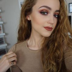 http://www.revelist.com/beauty-news-/kathleen-lights-morphe-palette/5362//1/#/1
