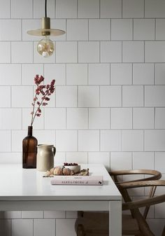 The Classiest Minimalist Dining Room Trends Kitchen Interior, Kitchen Decor, Kitchen Design, Interior Livingroom, Bathroom Interior, Bathroom Ideas, Kitchen Ideas, Compact Living, Minimalist Kitchen