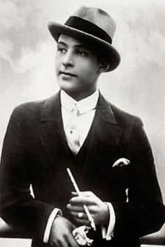 Rudolph Valentino, the number one male sex symbol of the 1920s