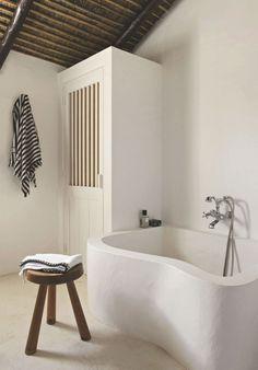 Trend Alert: 13 Sculptural Baths and Showers