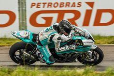 R2 MOTOS: Lussiana é pole no Moto 1000 GP e diminui um ponto...