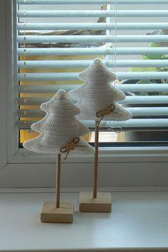 Alberi Natale uncinetto bianchi
