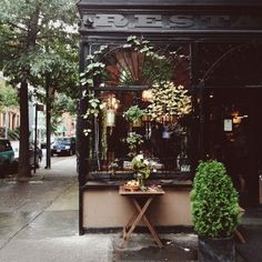 Does anyone know where this is? It reminds me of Greenwich Village around W4th. Tartines?