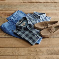 Master the casual afternoon date in a plaid shirt.