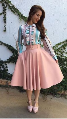 Swans Style is the top online fashion store for women. Shop sexy club dresses, jeans, shoes, bodysuits, skirts and more. Frock Fashion, Trend Fashion, Modest Fashion, Girl Fashion, Fashion Dresses, Womens Fashion, Fashion Design, Classy Dress, Classy Outfits