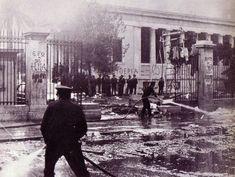 20 σπάνιες φωτογραφίες από το Πολυτεχνείο, 14 έως 19 Νοεμβρίου 1973   LiFO Greece, Street View, Places, Palestine, Students, Greece Country, Lugares