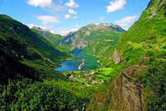 A beautiful shot of Arcadia deep in Fjordland