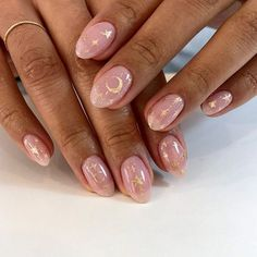 In seek out some nail designs and some ideas for your nails? Here's our listing of must-try coffin acrylic nails for stylish women. Heart Nail Art, Heart Nails, Oval Nail Art, Nail Atelier, Ten Nails, Acryl Nails, Nailart, Minimalist Nails, Dream Nails