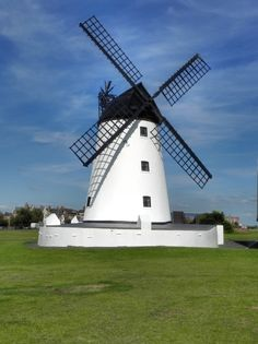 Lytham Windmill © David Dixon :: Geograph Britain and Ireland Vertical Windmill, Old Windmills, Water Mill, St Anne, Water Tower, Le Moulin, Architecture, Wind Turbine, Netherlands