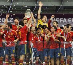 Spanien erneut Europameister - 4:0 gegen  Italien - Spanien hat den Fußball-Europameister-Titel verteidigt.