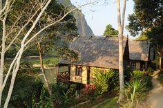Le resort de Nong Khiav, au bord de la rivière, est un endroit de #rêve pour une escale ©Salaün Holidays