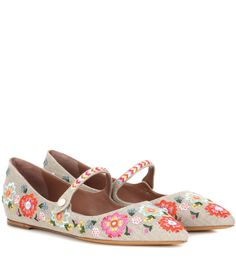 Tabitha Simmons - Hermione embroidered ballerinas - Step into the new season with the springtime energy from Tabitha Simmons' Hermione ballerinas. The sweet canvas design features an elegant pointed toe and floral embroidery. Team yours with a shirt dress for a cheerful finish. seen @ www.mytheresa.com