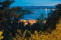 Oslo industrial harbour, at night from Jomfrubråten.