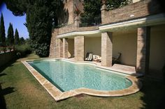 TUSCANY HOLIDAY VILLA RENTALS - Luxury Villa Vacation Rentals with private pool near Florence - Italy    http://www.vacation-key.com/locations_43266.html
