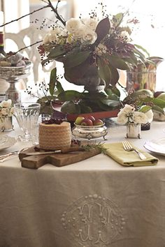 monogrammed tablecloth~ nice touch!