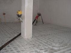 cement dek vloer over verwarming heen