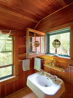 Snapshots of Island Life - Old-House Online Old Sink, Summer Cabins, Beach Cottage Decor, Big Windows, Paper Lanterns, Beach Cottages, Island Life, Best Memories, Neutral Colors