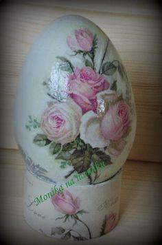 Shape Art, Egg Shape, Easter Egg Designs, Ukrainian Easter Eggs, Egg Art, Egg Decorating, Deco Table, Easter Crafts, Arts And Crafts