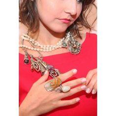 #chrome #citrin #carvalhusrio #emerald #ring #riodejaneiro #trend #trendy #unique #instaphotos #onix #ametist #stones #design #fashion #granada #red #reddress #hit #hannahcarvalho #jewels #jewelry #lapislazuli #brazilianstones #brazilian #brazil #brass #beautiful #nails #marvelous