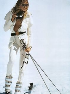 Timeless and classic. Would you like if this look was brought back? #style #ski #fashion