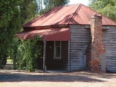 Lovely example of old Australiana Photo taken in the Swan Valley Western Australia Old Abandoned Buildings, Old Buildings, Abandoned Places, Australian Architecture, Australian Homes, Colonial Cottage, Cottage Style, Perth Western Australia, Australia Travel